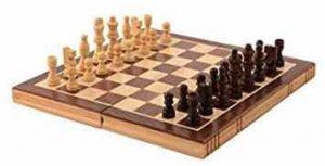 Kangaroo's Folding Wooden Chess Set